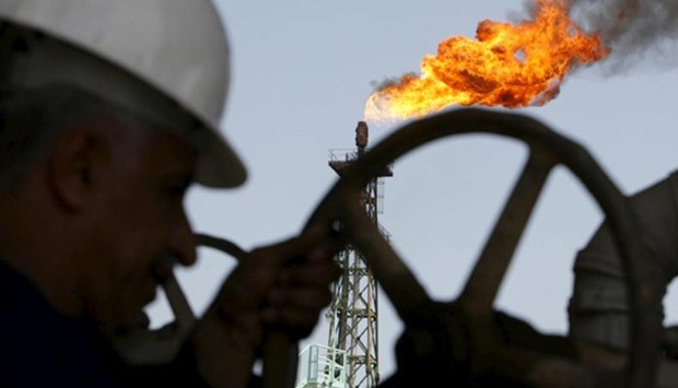 Oil price rises after Russia says open to OPEC meeting